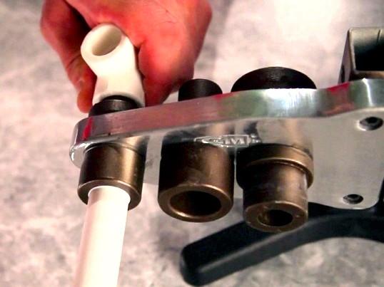 Поради майстра з монтажу пластикових труб і систем каналізацій