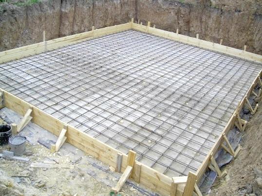 Будівництво фундаменту для будинку: дренаж, утеплення, армування