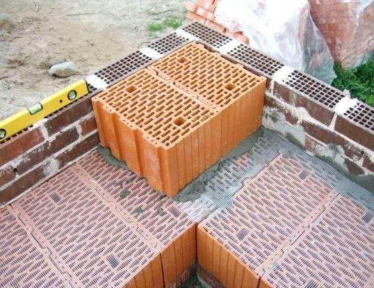 Технологія кладки поризованих керамічних блоків