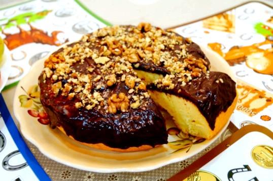 Торт із шоколадною глазур'ю в мультиварці